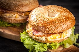 Sandwichs avec pain bagel